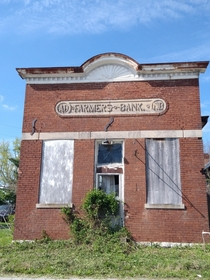 Farmers Bank near Bourbon County KY a more direct view oc