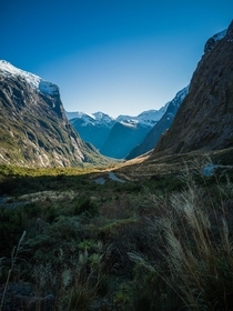 Fiordland Nationalpark right after passing Homer Tunnel This view was so unexpected the first time driving through Fiordland-