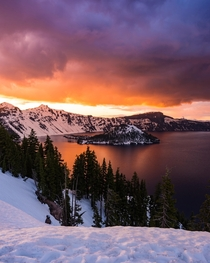 Firey sunset over Crater Lake Oregon  IG imanor