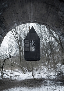 Flying Black House