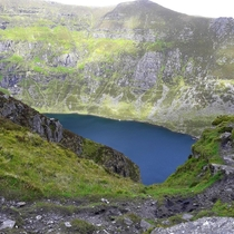 Found a lake when climbing in Ireland x oc