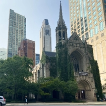 Fourth Presbyterian Church in Chicago IL Gothic revival style designed - by architects Ralph Adams Cram church and Howard Van Doren Shaw Tudor-style parishes Stained glass Great East Window by Charles J Connick dedicated in