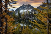 Framing Fall Alpine Lake Wilderness WA