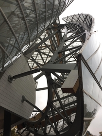 Frank Gehrys Louis Vuitton Foundation in Paris