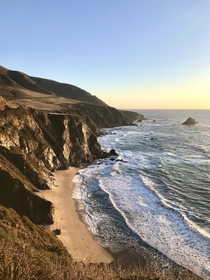 Friend and I did a California roadtrip few weeks ago Ended up on Pacific Coast Hwy at sunset Wasnt disappointed at all   Big Sur California USA