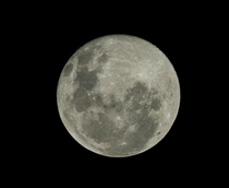 Full moon from an hour ago x