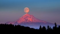 Full moon rising over Mt Hood