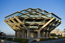 Geisel Library University of California San Diego William L Pereira Associates