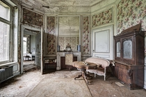 German Doctors Deserted Mansion  Complete with examination room - Full album inside
