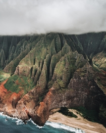 Getting close and personal with the  foot cliffs of the N Pali Coast Can almost feel the texture Kauai HI  IG kylefredrickson