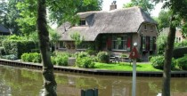 Giethoorn Netherlands  - I know how much you all love villages without roads