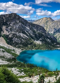 Glacial runoff makes the best lakes Central Cascades in Washington  hikedailyprn