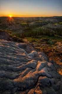 Glowing Badlands along the Red Deer River x OC