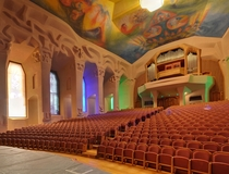 Goetheanum -seat auditorium employed boat builders to avoid right-angles