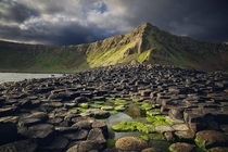 Going Green - I hiked before sunrise to beat the tourists - Giants Causeway Ireland