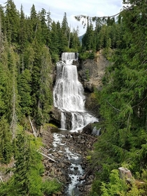 Gorgeous Alexander Falls British Columbia