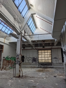 Gotta love those industrial skylights