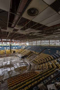 Hara Arena a beautiful abandoned stadium in Dayton Ohio The arena held many events from Nirvana To Prince
