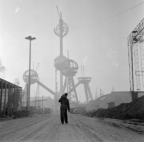 Havent seen it on here yet - Construction of the Atomium Bruxelles