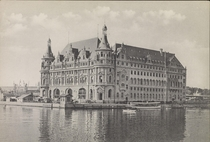 Haydarpaa was an important link in the railway chain of the Kaisers Berlin-to-Baghdad railway scheme part of the German Empires strategic Drang nach Osten Drive to the East during the later th century xpx