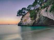Hello from the other side - Cathedral Cove New Zealand