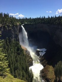 Helmcken falls in Wells Gray Provincial Park x