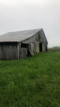 Heres our family farm in Kentucky Im not sure about the exact date but its easily over  years old