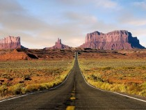 Highway  leading into Monument Valley
