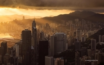 Hong Kong sunrise - photo by Andi Andreas