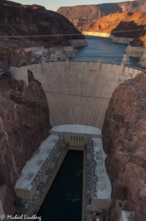 Hoover Dam  by Michael Lindberg