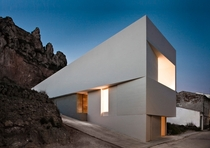House on the Castle Mountainside by Fran Silvestre Arquitectos - Ayora Spain