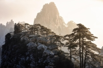 How about this crazy good morning light in Huangshan China