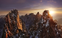 Huangshan the Yellow Mountains Eastern China  Photo by Thierry Bornier
