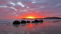 I too have been to New Zealand Moeraki Boulders by sunrise