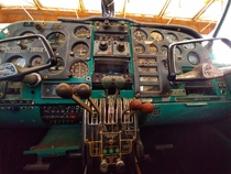 I took a picture of the instrument panel in an abandoned Piper Apache