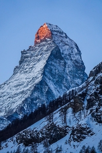 I was lucky enough to capture the sunrise at the matterhorn switzerland