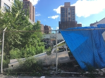 If were doing abandoned planes heres a random Cessna fuselage in a lot soon to be developed on the Lower East Side of Manhattan Not a lot of GA airports nearby so your guess is as good as mine x