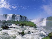 Iguazu waterfalls between Argentina and Brazil