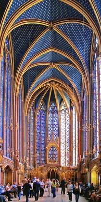 In the heart of Paris La Sainte-Chapelle is a royal medieval Gothic chapel from the th Century Its nothing short of an architectural marvel  article in comments