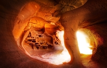 Incredible secret cave-chamber I just found in the desert - Valley of Fire NV