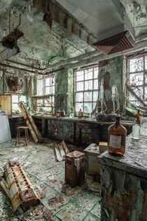 Insanely decayed abandoned laboratory Location undisclosed oc