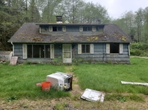 It was a simple -floor  or  BR house located just north of Forks WA I stayed for  minutes or so imagining all the drama amp history that had occurred in the house It was a simple little place about  Sq ft Its not as exciting as most of the posts on here b
