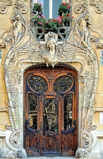 It was built in  by the famous architect Jules Lavirotte in the th District around the Eiffel Tower in Paris the capital of France Jules Aim Lavirotte was a French architect known for his Art Nouveau buildings in the th district of Paris