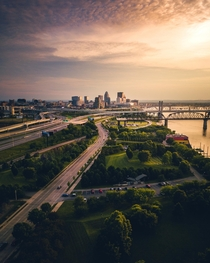 Its a smaller city than what were used to around here but heres Waterfront Park in Louisville Kentucky USA