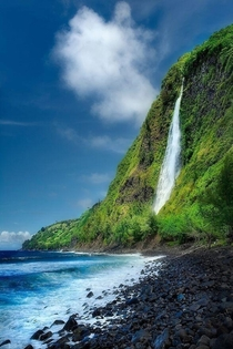 Kaluahine Falls Big Island Hawaii