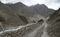 Karakoram Highway over Khunjerab Pass between China and Pakistan Photo by Anthonymaw
