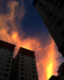 Kolkata India I sky i captured with just a simple click without toggling any sorta manual settings Insane