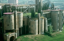 La Fbrica - Ricardo Bofill an old cement factory turned into a home