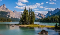 Lake Maligne Canada  by dezzouk