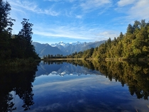Lake Matheson and the Southern Alps NZ   x
